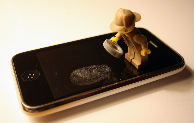 lego on smartphone