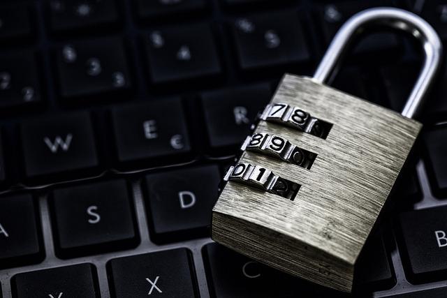computer with padlock