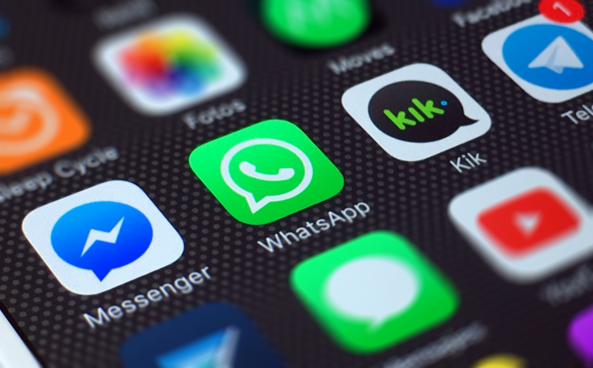 whatsapp to advise users if they receive a dangerous file