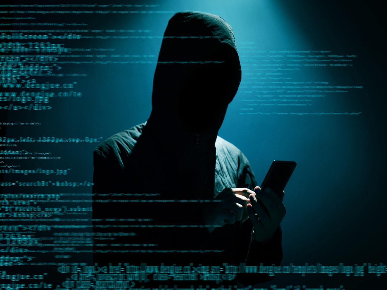 Virgin Media urges password change over hacking risk - BBC News