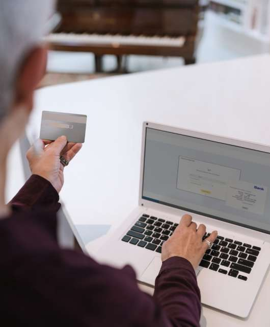 Senior's Complete Guide to Internet Scams
