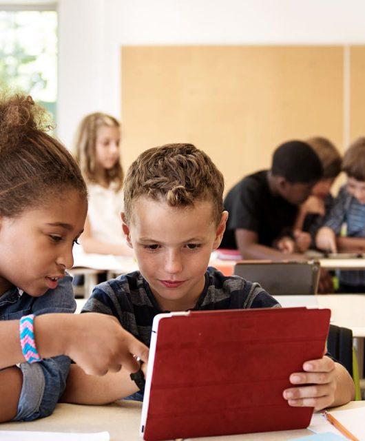 pandasecurity-niños-colegio-tablets